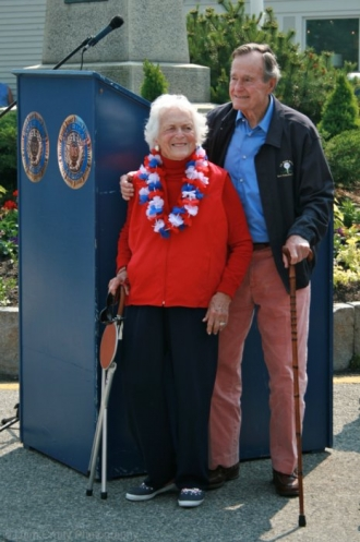 memorial-day-parade-may-31-2010-president-barbara-bush-459